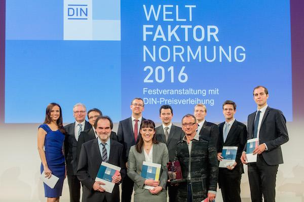 Moderator Moderatorin Preisverleihung in Berlin