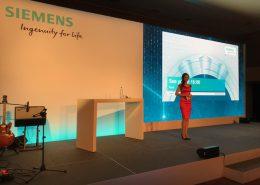 Moderatorin für Event & Veranstaltung Susanne Schöne aus München moderiert eine Awardverleihung