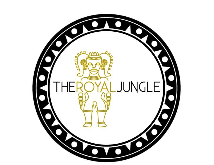 Moderatorin Susanne Schöne moderiert auf der Start-Up Veranstaltung The Royal Jungle in der mercedes Benz Welt, München
