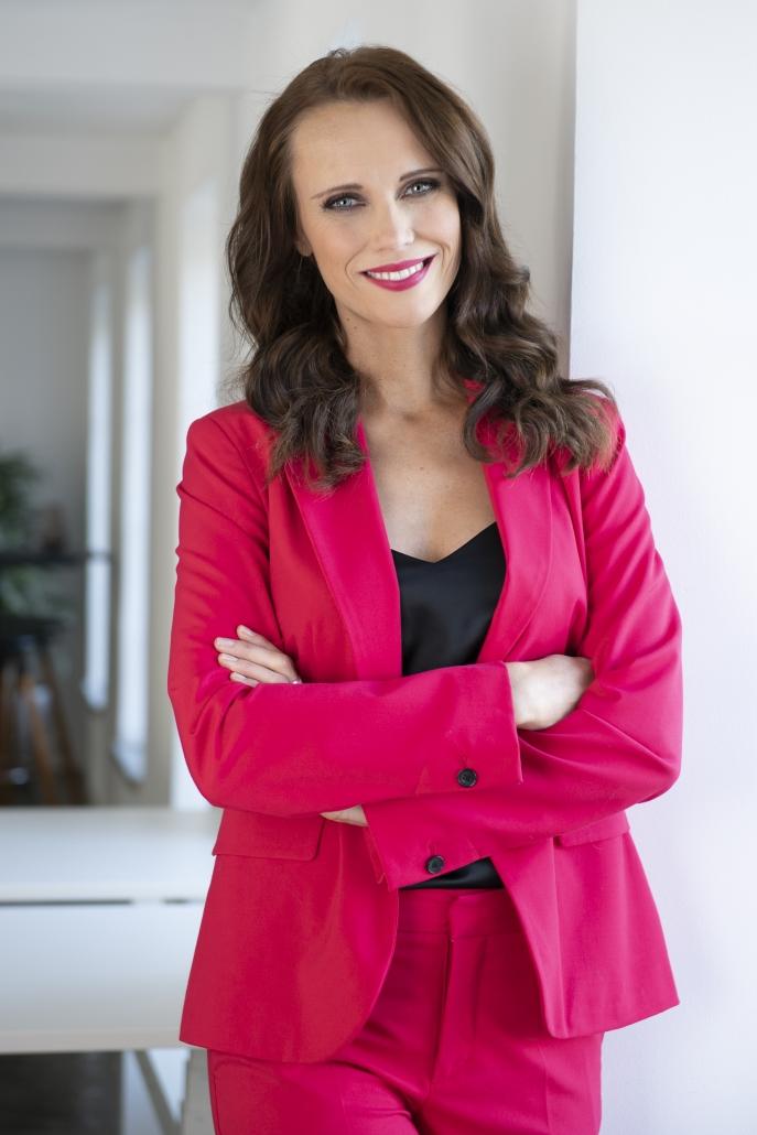 Moderatorin Susanne Schöne aus München - Eventmoderatorin für Gala Kongress Podiumsdiskussion in Deutsch und Englisch
