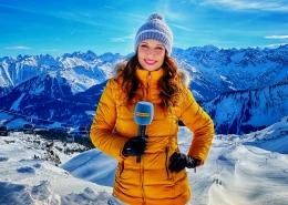 Moderatorin Susanne Schöne dreht für den Tourismus Verband Österreich eine Werbung
